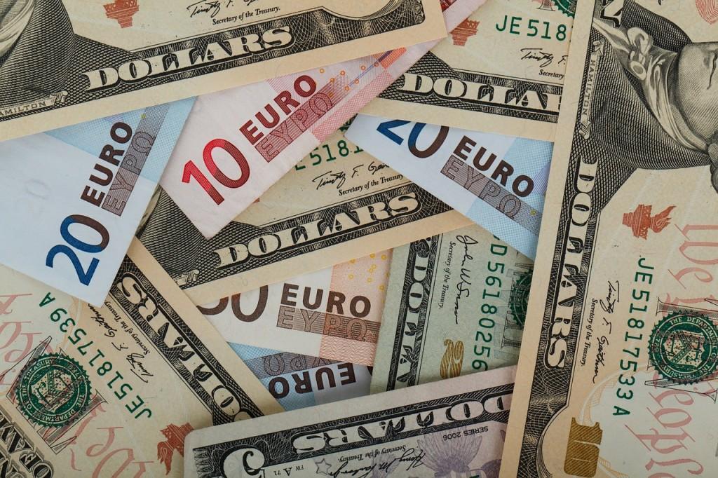 1600 dollars en euros to dollars